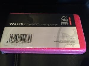 """Waschschwamm aus der Horsefriends Box """"Safety First"""""""